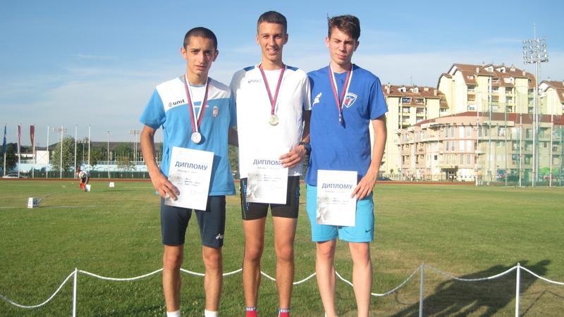 "Bogdan Joković prvak Srbije na 800 m, foto: AK ""ČAAK"""
