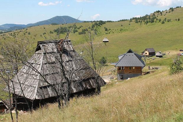 17 Nova-Varos,-Murtenica,-Zovu_620x0