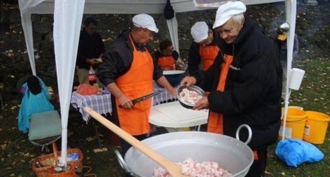 Od svinje teške 200 kilograma samo 15 kilograma kvalitetnih duvan čvaraka, Foto: P. Vujanac / RAS Srbija