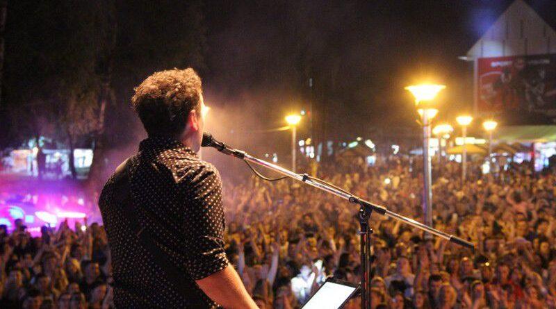 Dženan Lončarević napravio sjajnu atmosferu na Kraljevom trgu