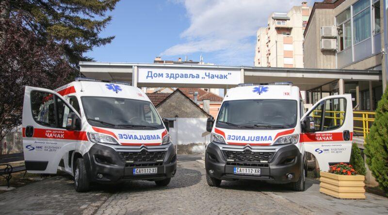 Kompanija NIS donirala dva sanitetska vozila čačanskom Domu zdravlja
